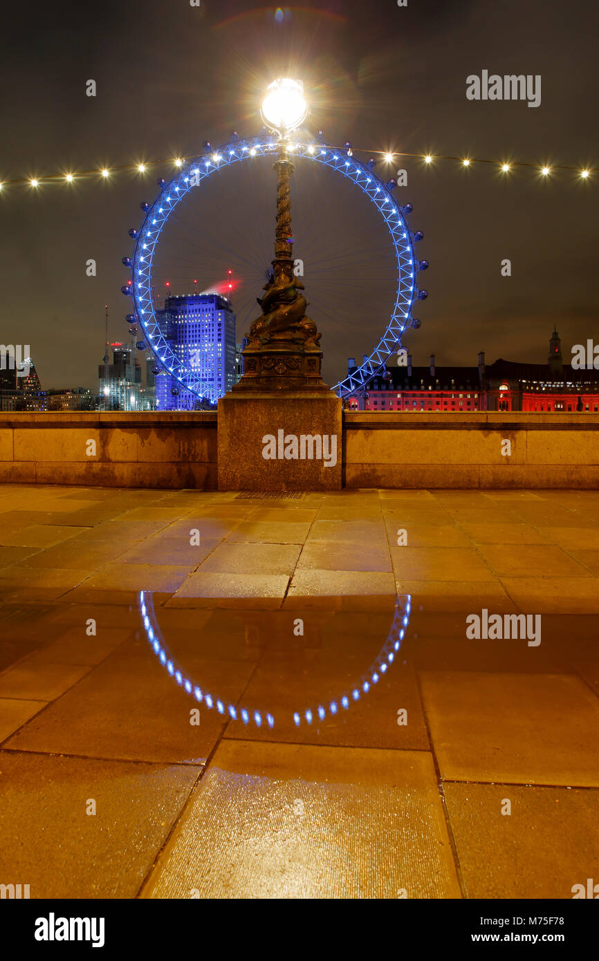 The London Eye, Thames South Bank near Westminster - Stock Image