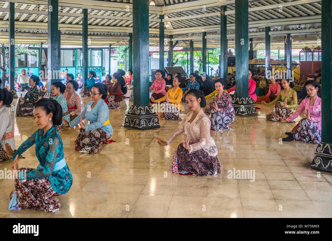Beksan Putri, traditional female palace dance performance at the Kraton Ngayogyakarta Hadiningrat, the palace of - Stock Image