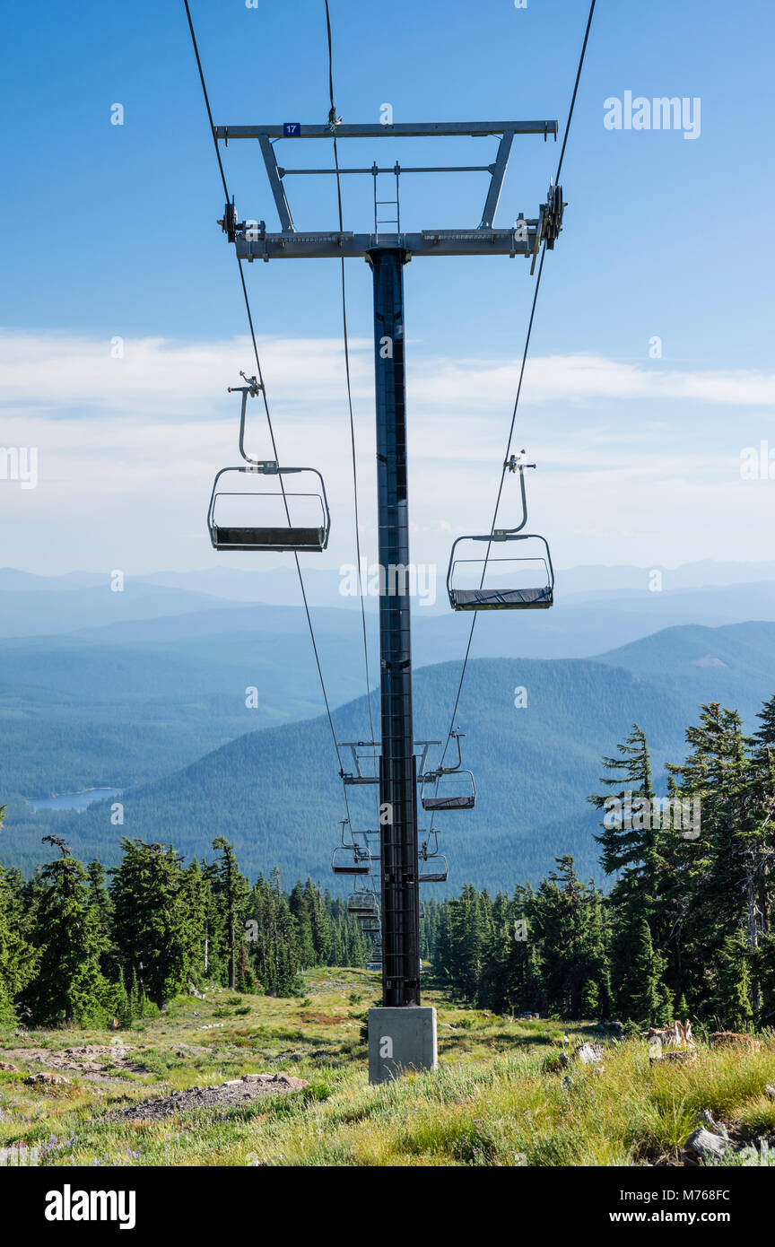 Ski lift at Timberline Lodge and ski resort.  Mt Hood National Forest, Oregon - Stock Image
