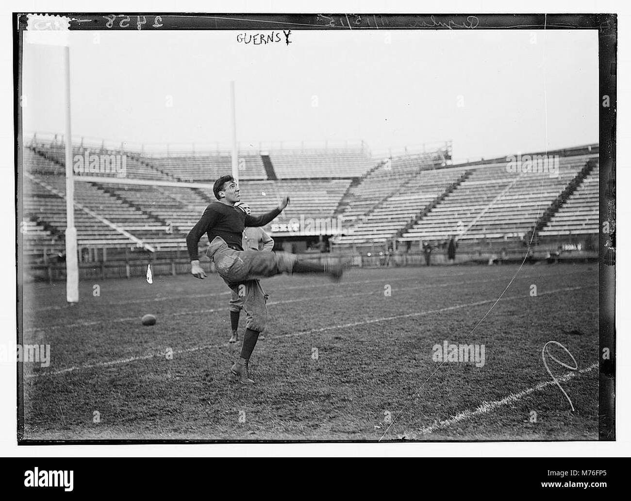 6a2479f8def Yale Football Stock Photos   Yale Football Stock Images - Page 2 - Alamy