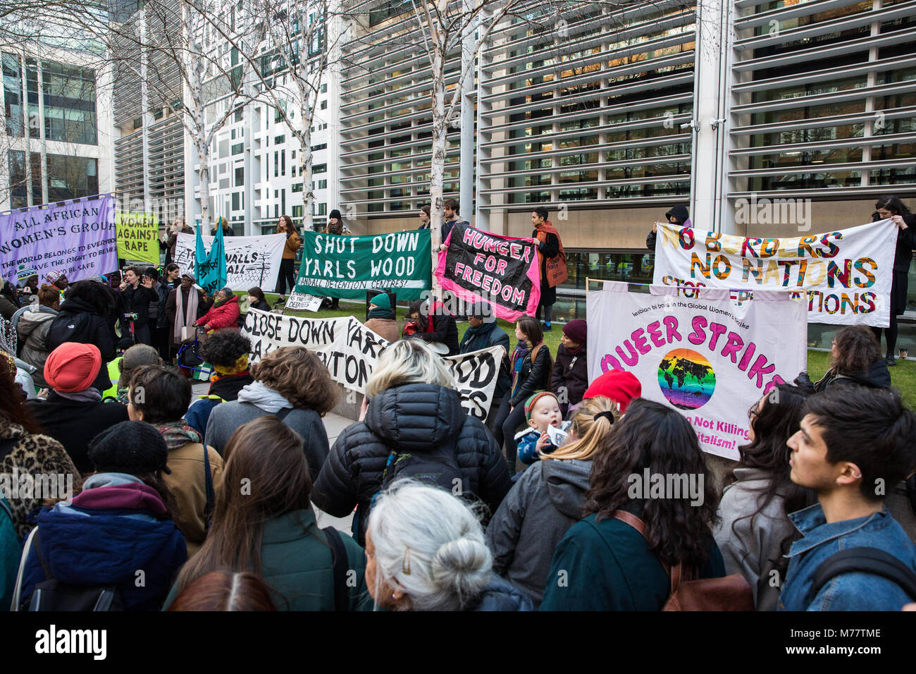 London, UK. 8th March, 2018. Women protest outside the Home Office on International Women's Day in solidarity - Stock Image