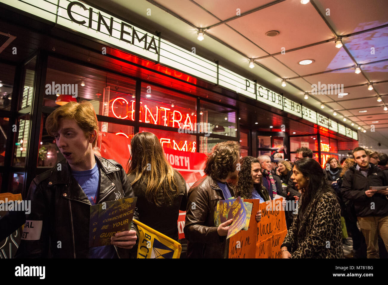 London, UK. 8th March, 2018. Striking cinema workers and supporters on the picket line at Picturehouse Central on - Stock Image