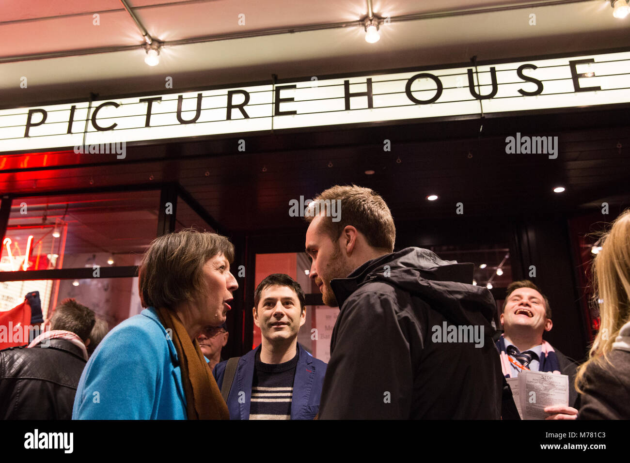 London, UK. 8th March, 2018. Frances O'Grady, General Secretary of the TUC, joins cinema workers on their picket - Stock Image