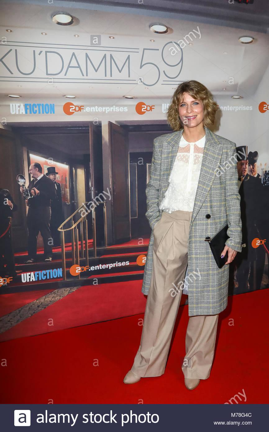 Valerie Niehaus bei der Premiere mit Fototermin für 'Ku'damm 59' im Cinema Paris am Kurfuerstendamm - Stock Image