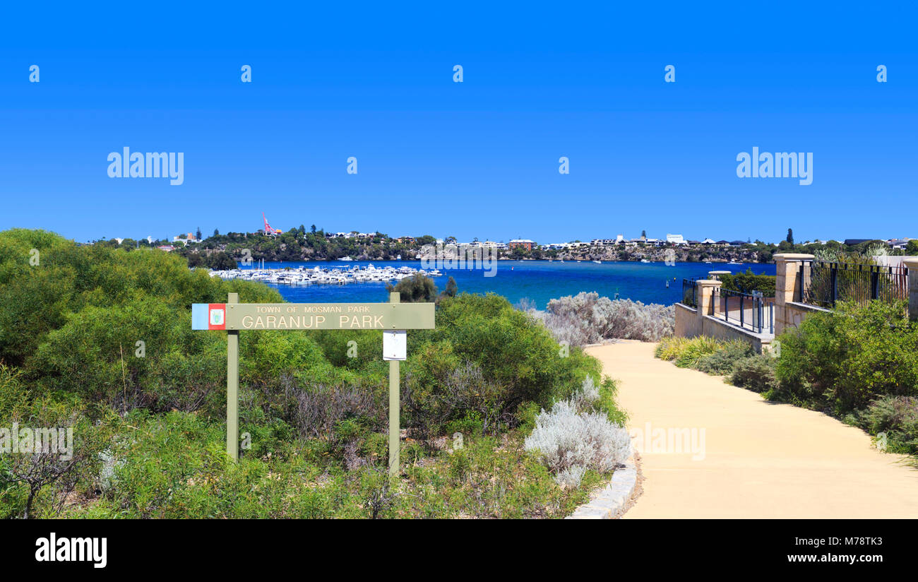 Riverside path through Garanup Park in Mosman Park. Perth, Western Australia - Stock Image