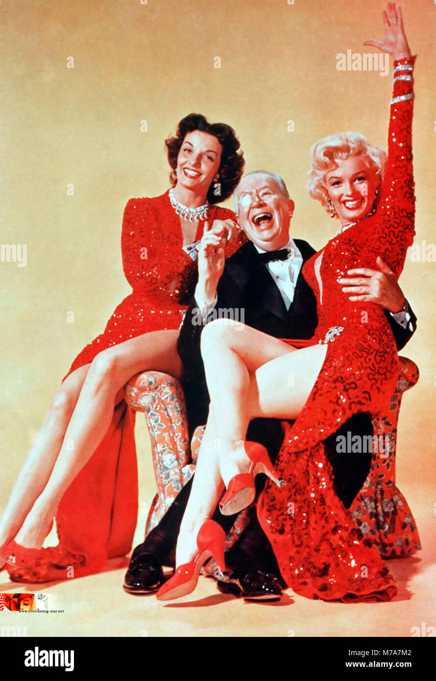 GENTLEMEN PREFER BLONDES 1953 20th Century Fox film with from left: Jane Russell, Charles Coburn, Marilyn Monroe - Stock Image