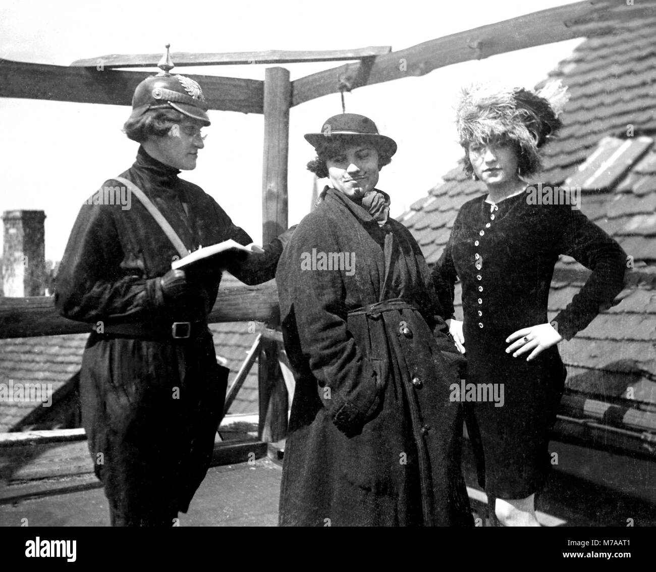 Three woman, woman playing a policewoman, 1930s, Germany - Stock Image