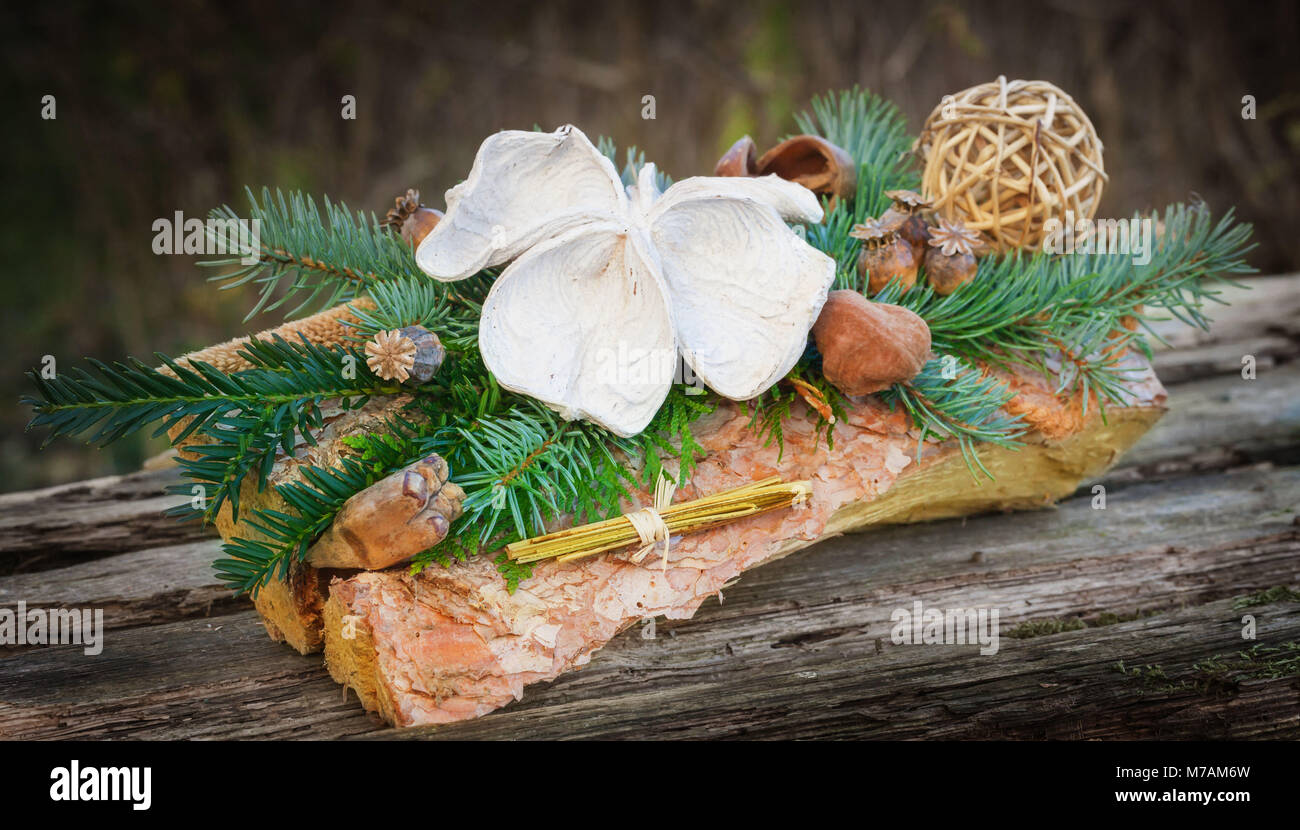 Grave Flower Arrangement High Resolution Stock Photography And Images Alamy