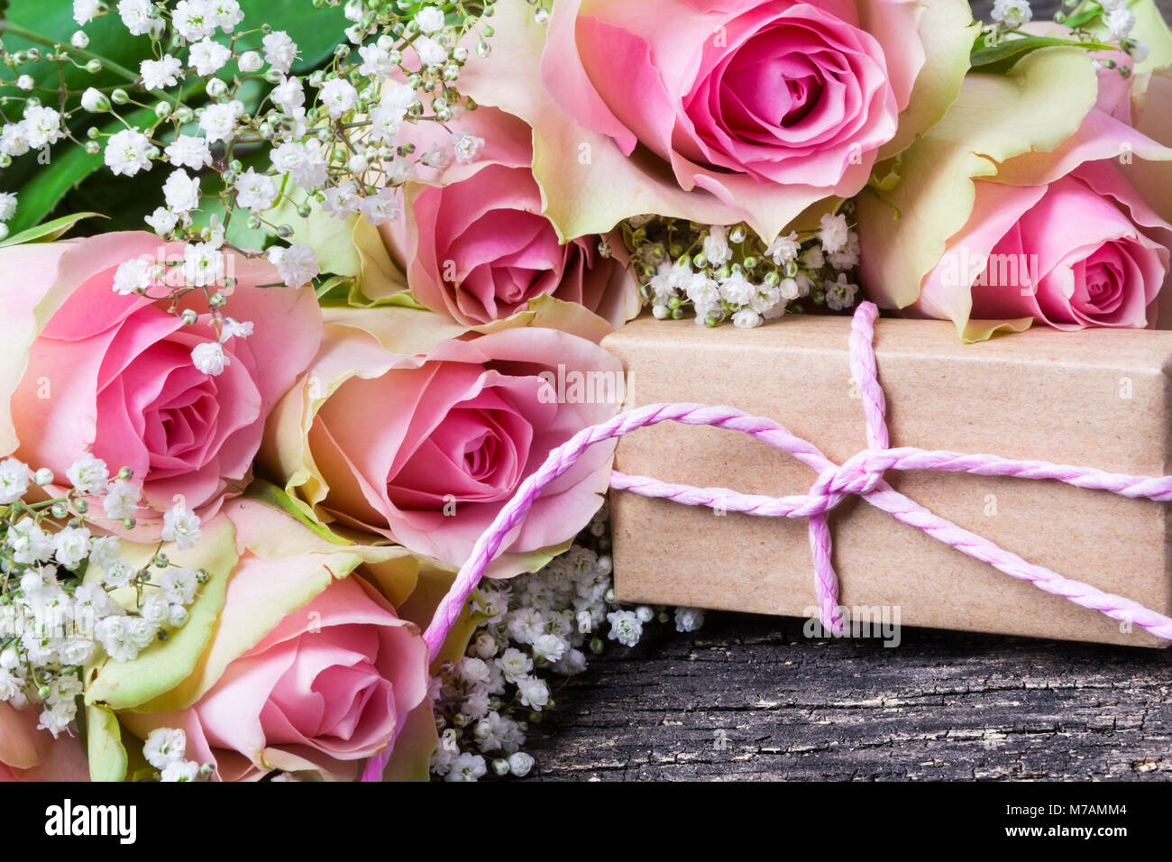 Birthday Card With Roses Gift