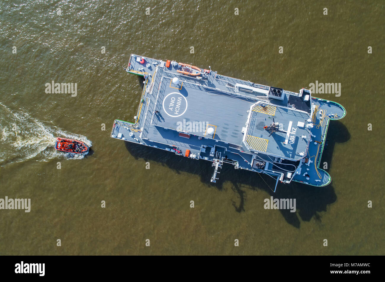 customs boat and operation boat on the Elbe, HH harbour, aerial shots - Stock Image