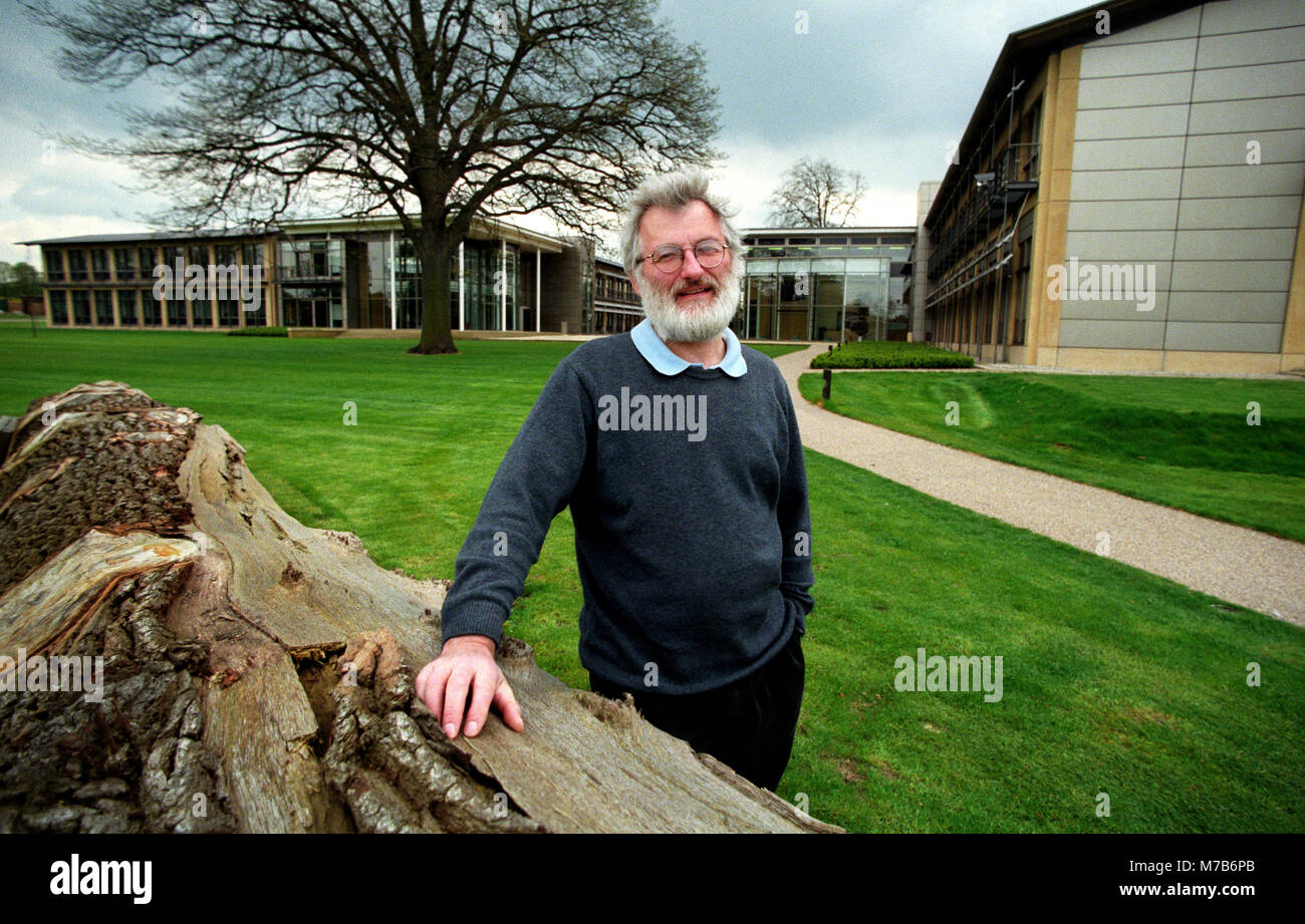 FILE: 9th Mar, 2018. Photo taken: Cambridge, UK.May 1999 (Exact date unknown). Sir John Sulston photographed at - Stock Image