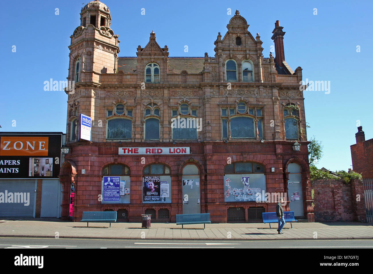The Red Lion Pub, a listed building at risk, terracotta facade, Soho Road, Birmingham - Stock Image