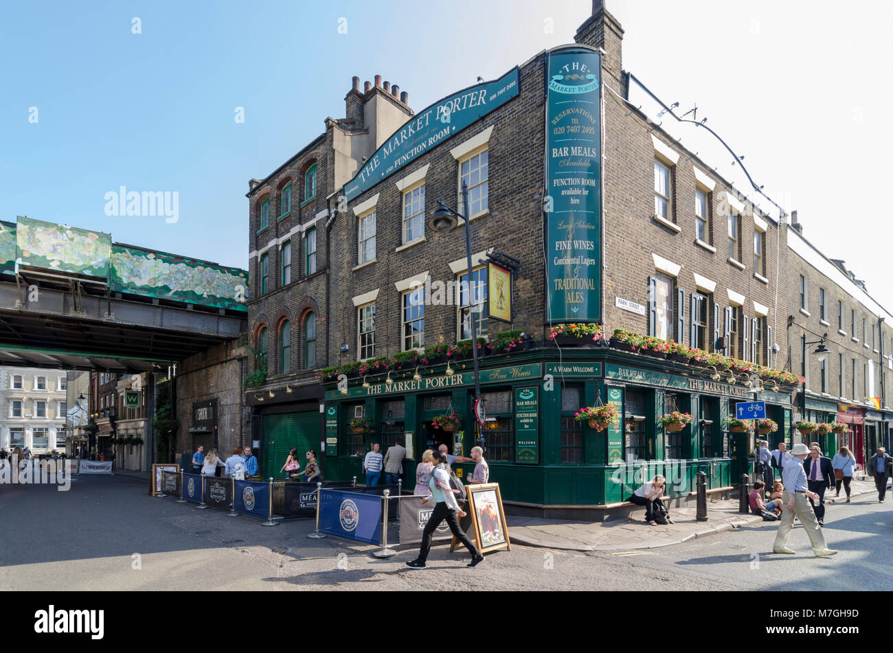 The Market Porter pub, Borough Market, Southwark, London, UK - Stock Image