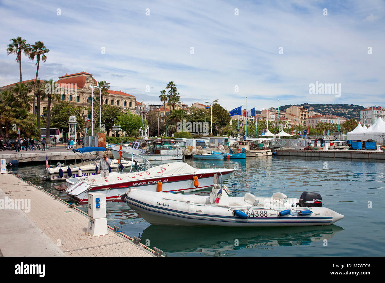 Old harbour Vieux Port, left side the town hall Hotel de Ville, old town Le Suquet, Cannes, french riviera, South - Stock Image