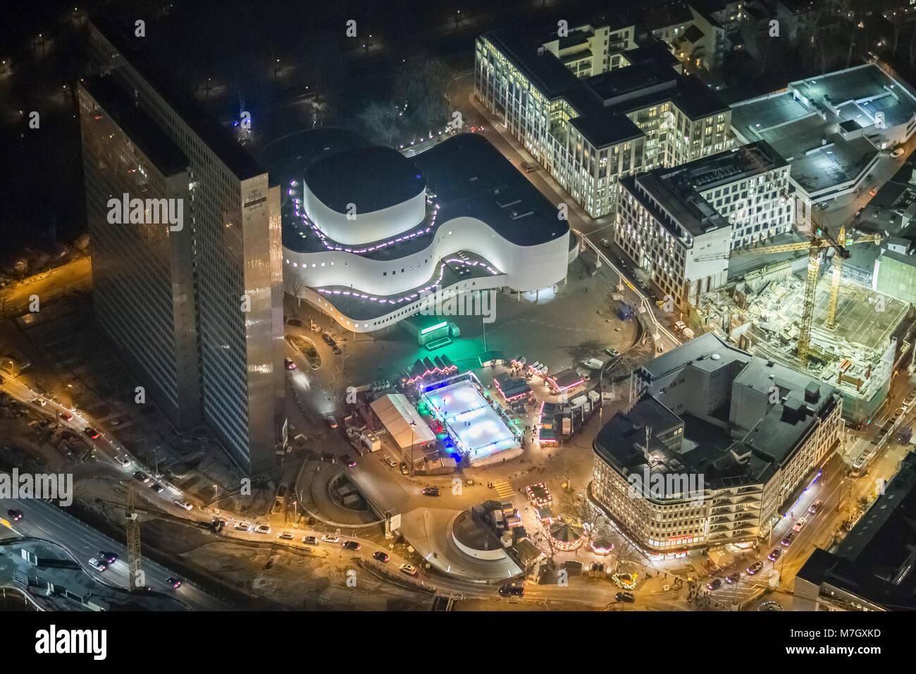 Aerial view, Dreischeibenhaus, Schauspielhaus and the Christmas market on the Gustaf-Gruendgens-Platz., Spectacle, - Stock Image