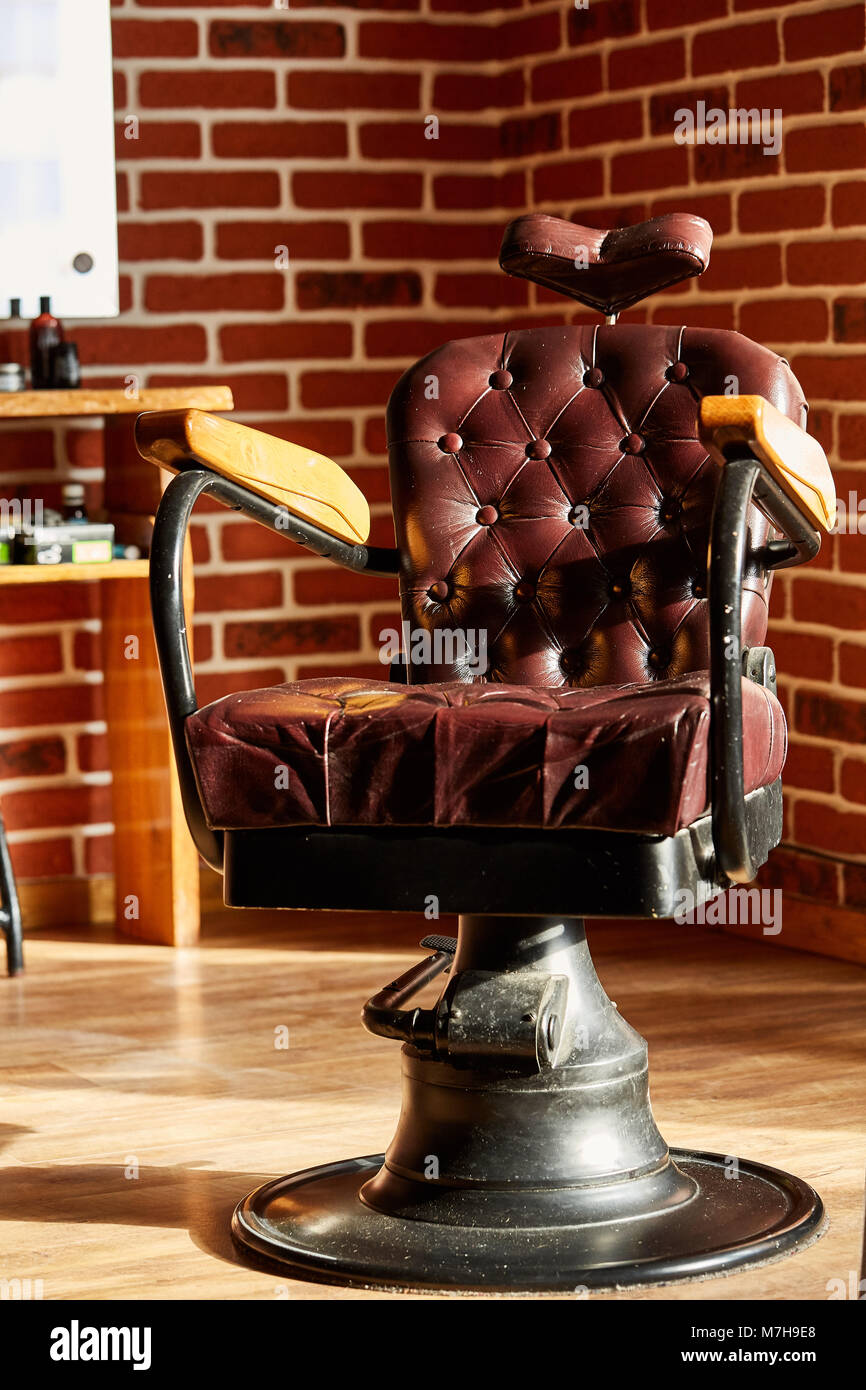 Barber Shop Hairdresser Chairs Made From Brown Leather Retro Chair In Vintage Style Equipment Male Beauty And Care Gr