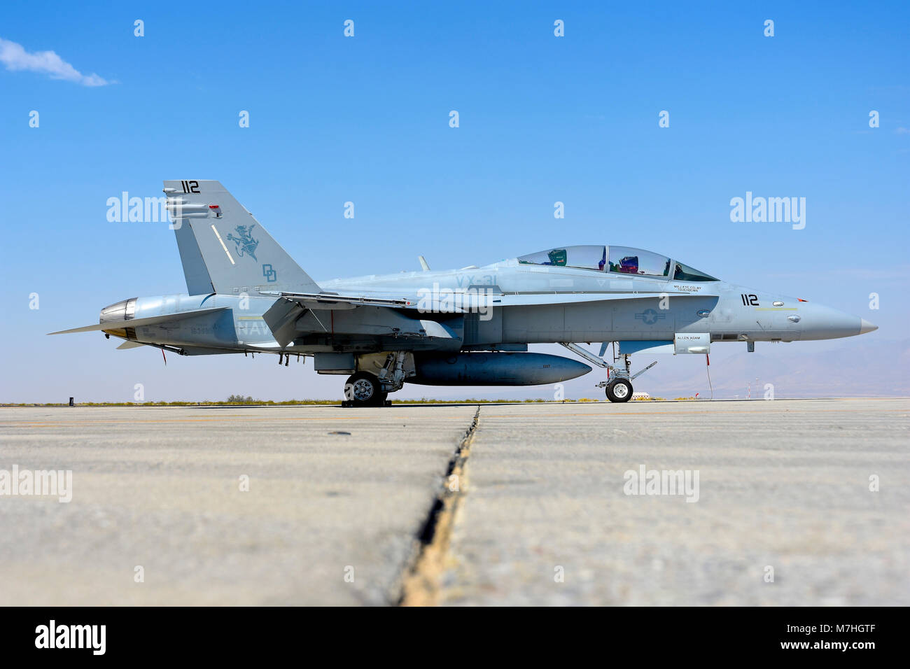 us-navy-fa-18d-hornet-at-naval-air-weapo