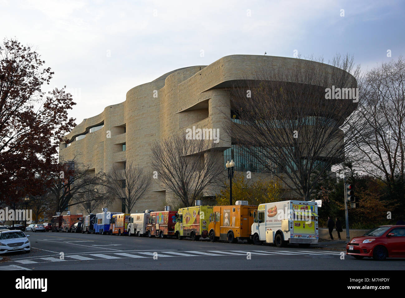Native American Museum with food truck in front - Stock Image
