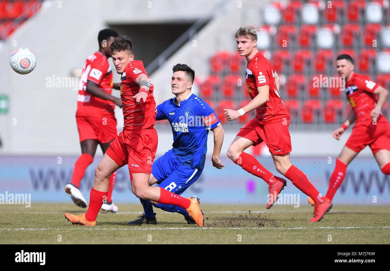 Marcel Mehlem (KSC) in der withte. GES/ Fussball/ 3. Liga: RW Erfurt - Karlsruher SC, 11.03.2018 Football/Soccer: - Stock Image