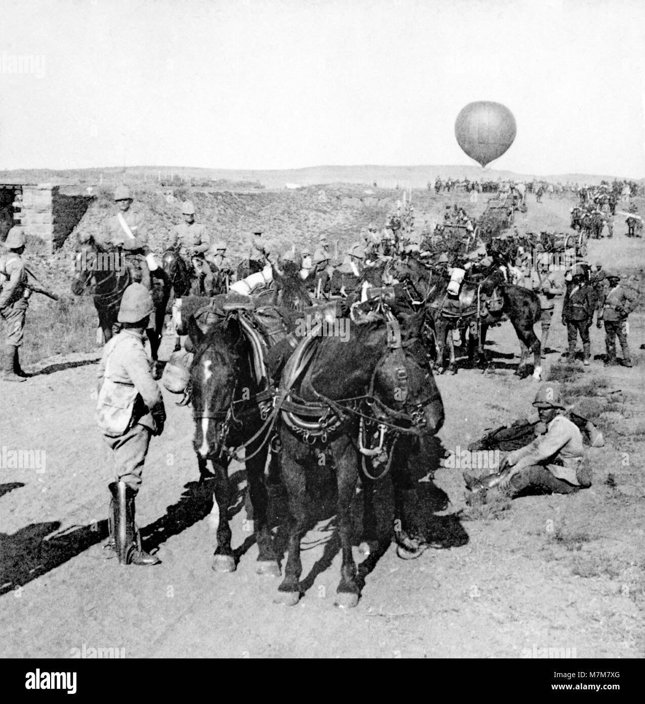 Boer War. The 84th Battery and Balloon Corps of the British Army advancing towards Johannesburg, South Africa, during - Stock Image