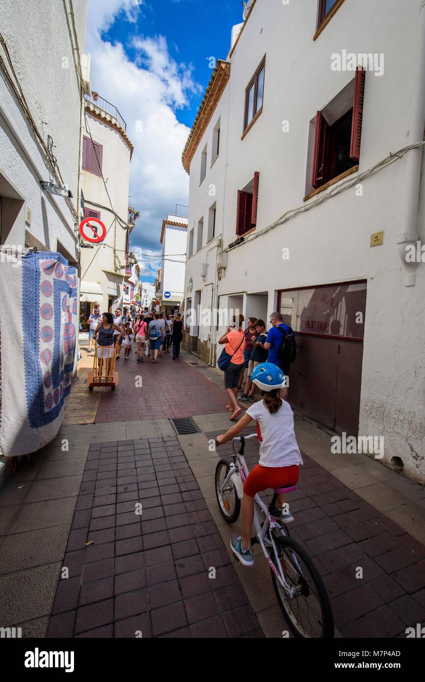 Street in Tossa de Mar, Costa Brava, Catalonia, Spain - Stock Image