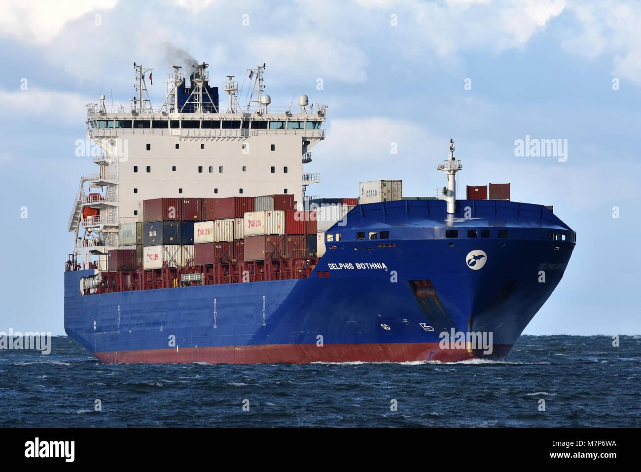 Feedervessel Delphis Bothnia heading for the Kiel Canal - Stock Image