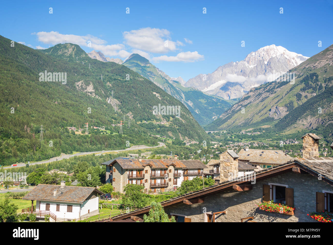 Scenic view of the Aosta Valley, Monte Bianco (Mont Blanc) in the background, Italy - Stock Image