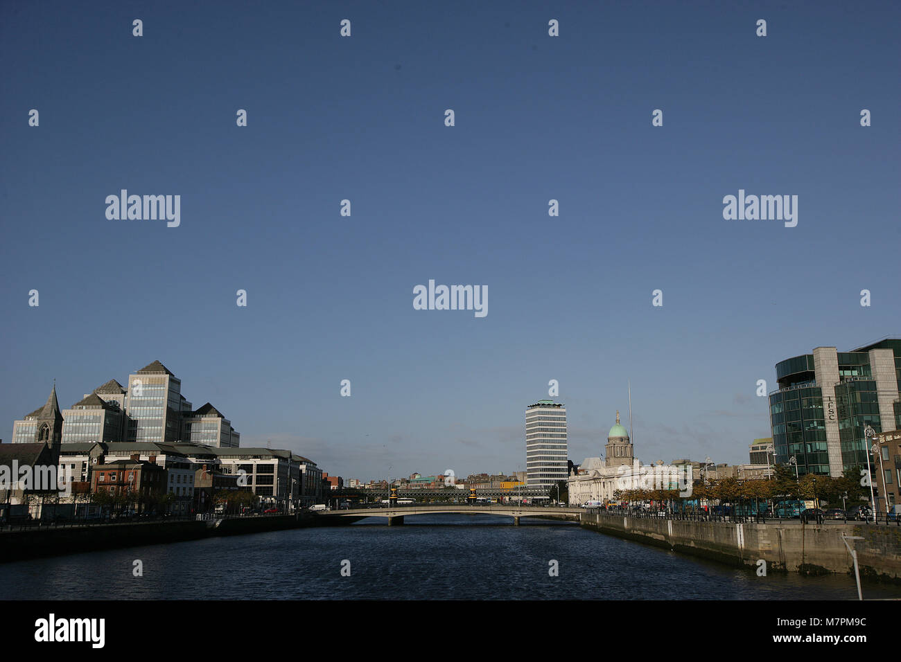 Dublin City, Ireland, 1 Oct, 2008. The Irish government has acted to shore up its financial system by guaranteeing - Stock Image