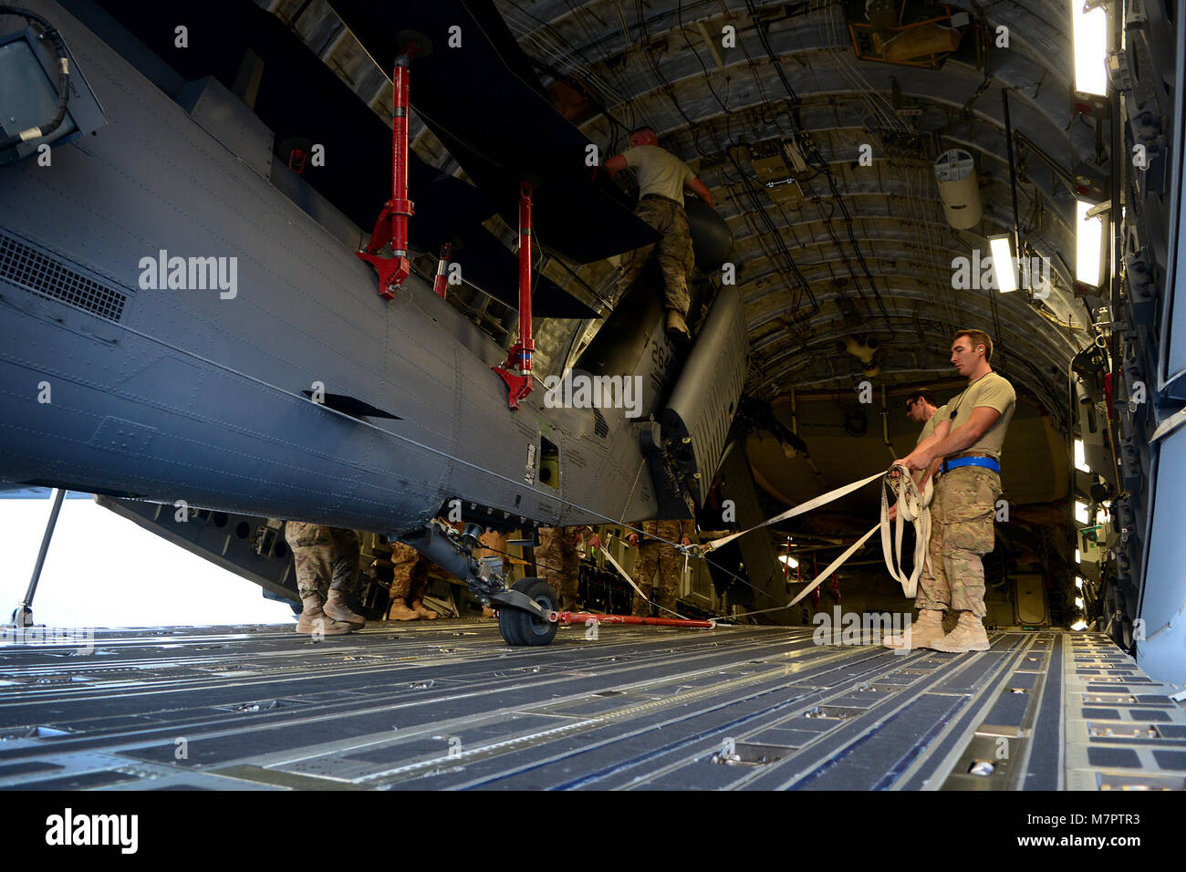 029bf3d37f4e0 U. S. Air Force Airmen from the 455th Expeditionary Aircraft Maintenance  Squadron