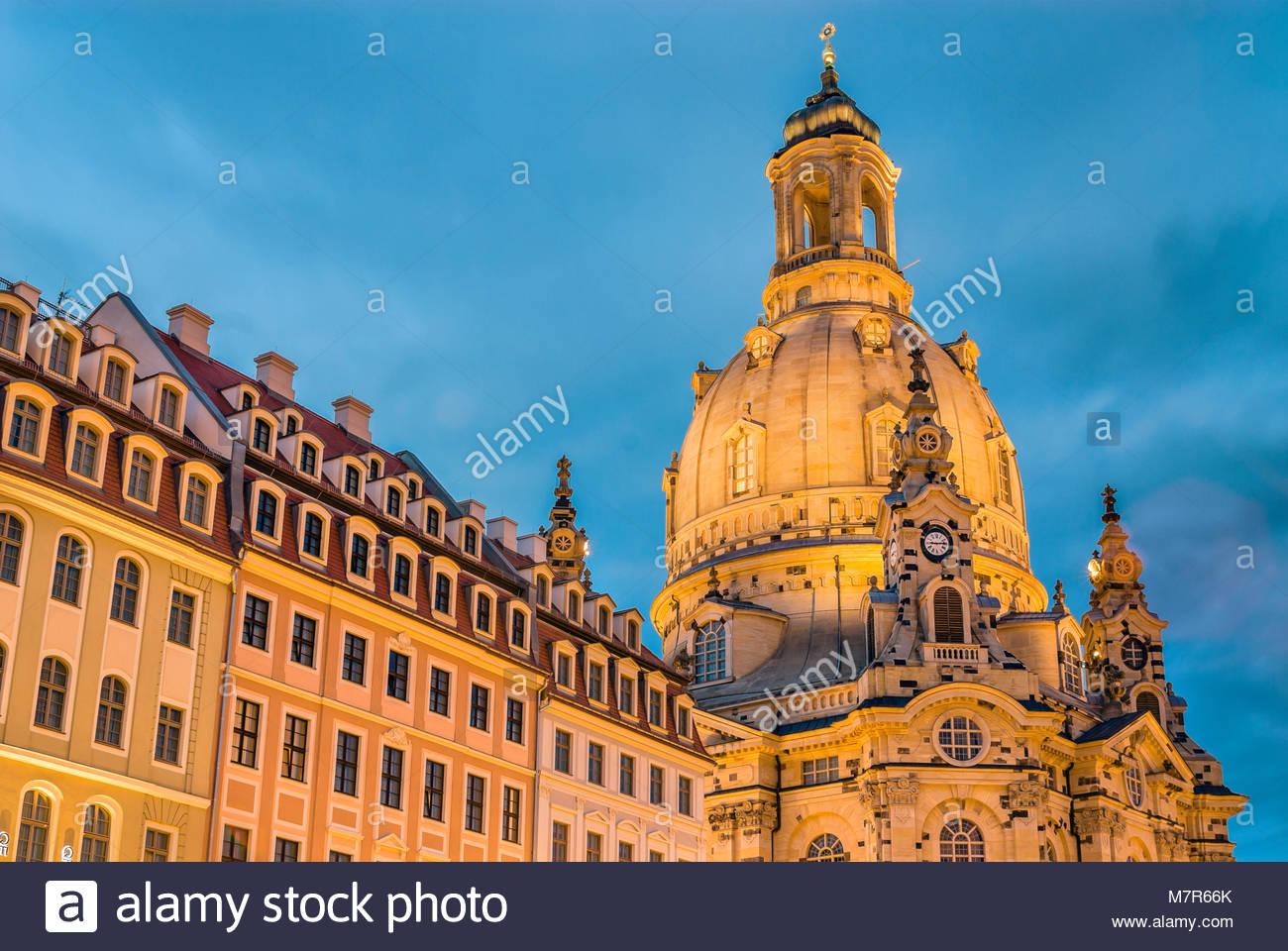 Dresden Frauenkirche Cathedral at night, Saxony, Germany   Nachtaufnahme der Dresdner Frauenkirche in der Altstadt Stock Photo