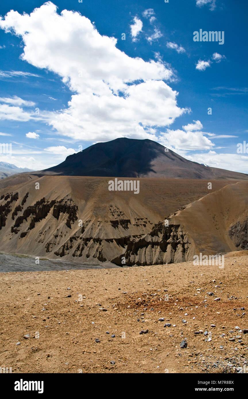 Sumkhel Lungpa River Valley, Sumkhar Tokpo, Pang, Himalaya, Jammu and Kashmir, India - Stock Image