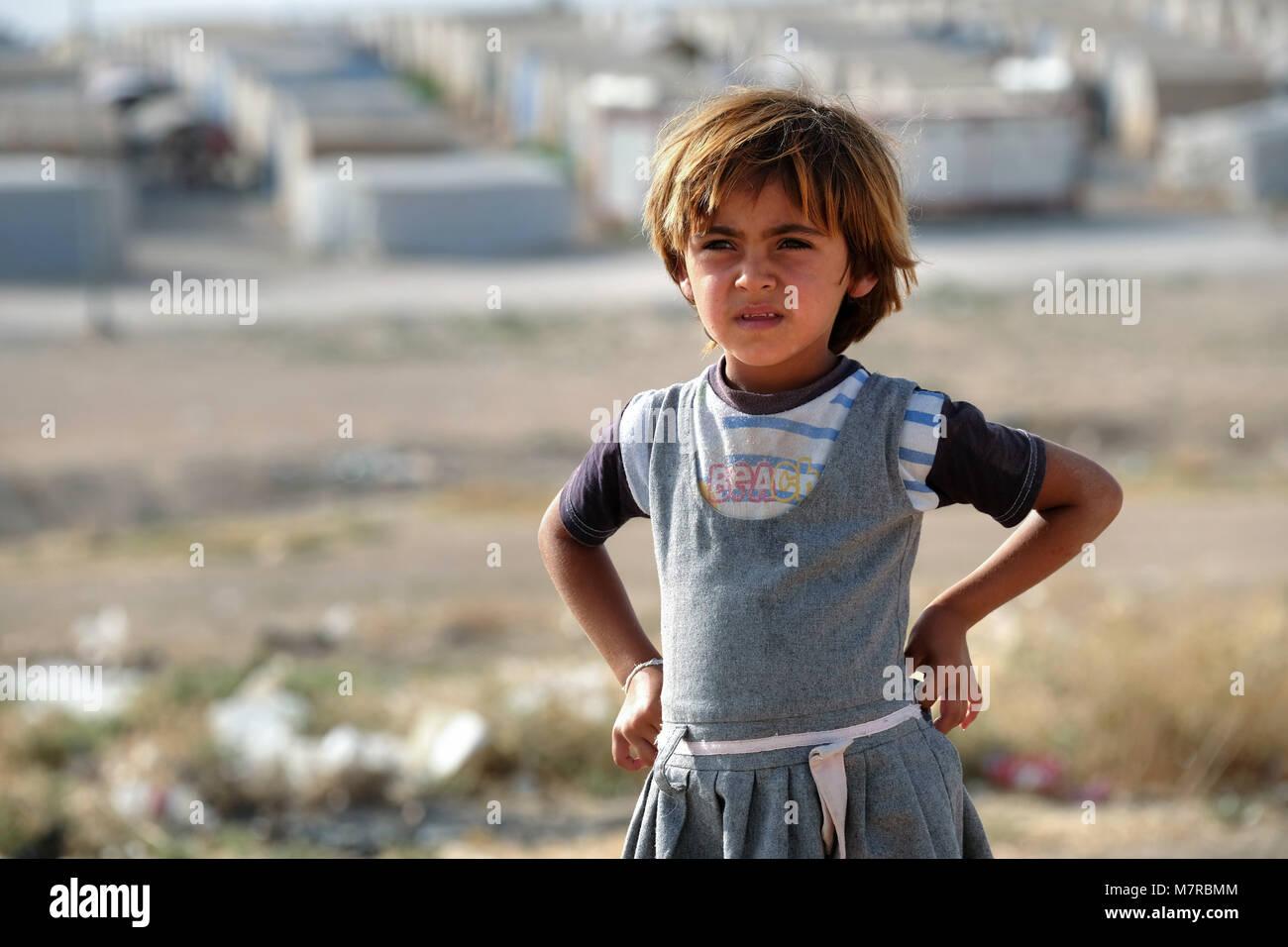 Yazidi refugee girl in Sharya camp near Duhok, Northern Iraq, Kurdistan Region, Iraq - Stock Image