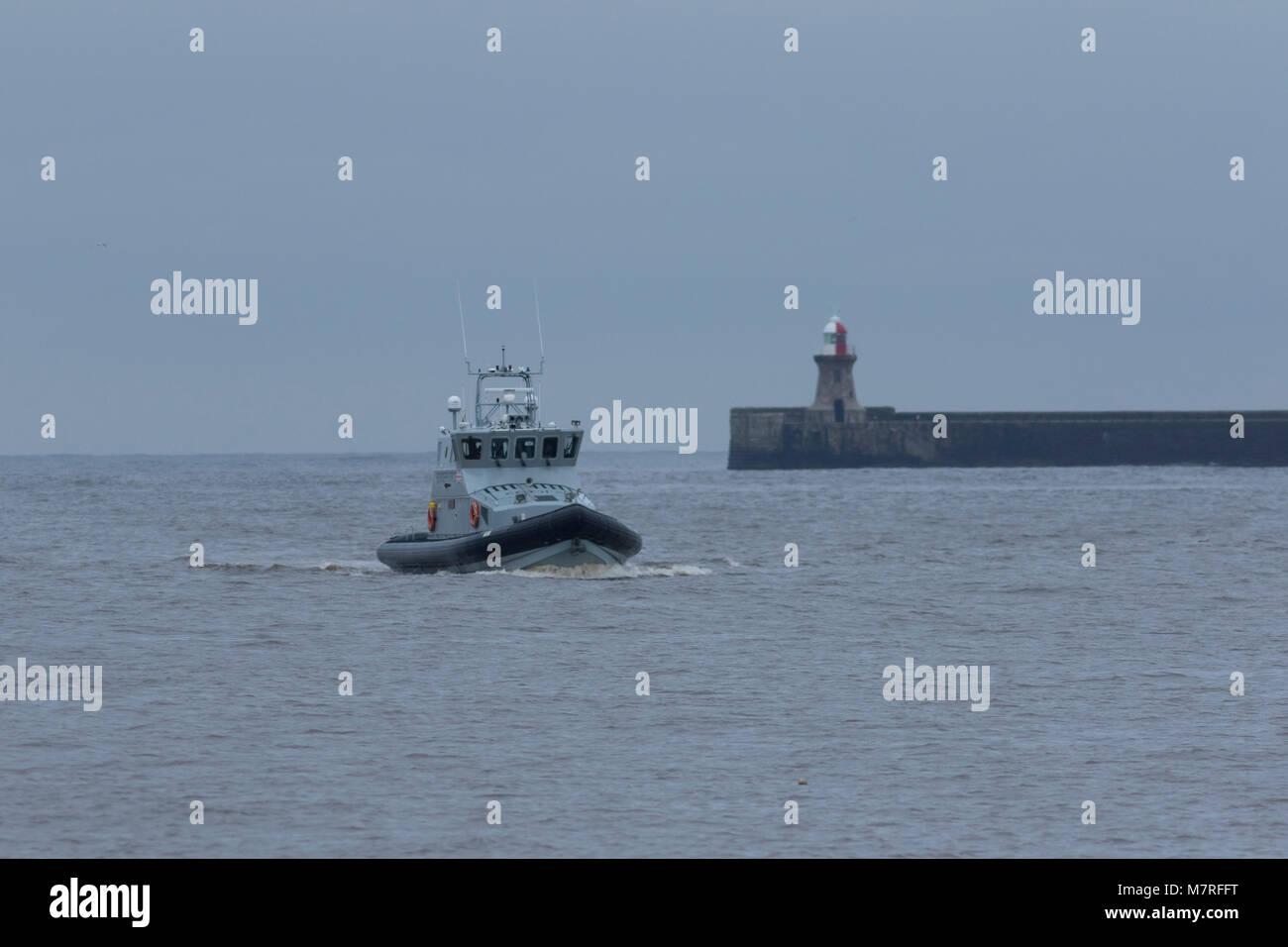 Border patrol vessel Alert - Stock Image