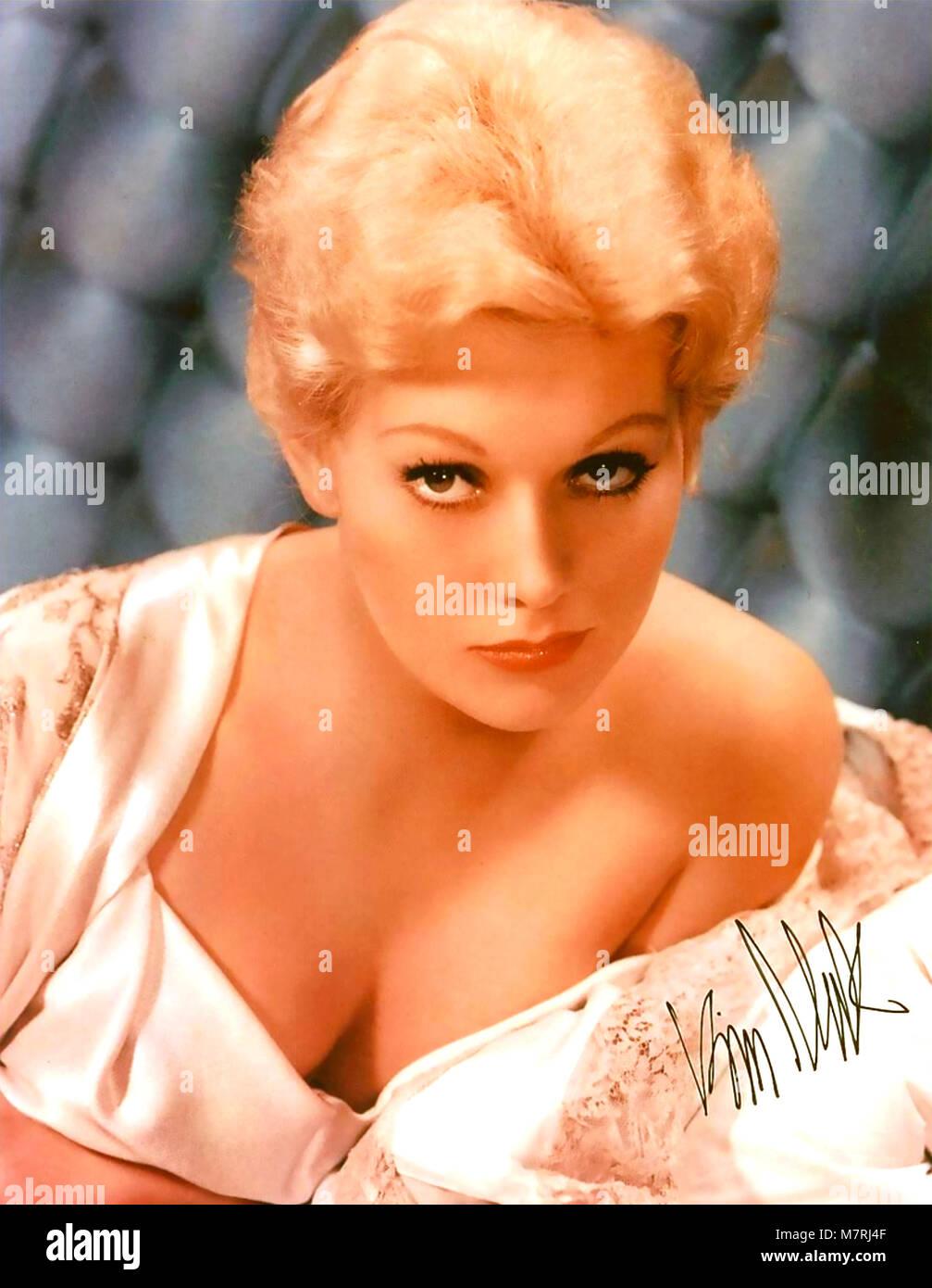 KIM NOVAK American film actress about 1962 - Stock Image