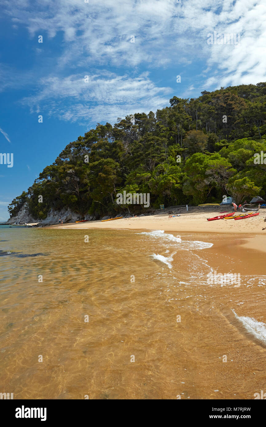 Observation Beach Campsite, Abel Tasman National Park, Nelson Region, South Island, New Zealand - Stock Image