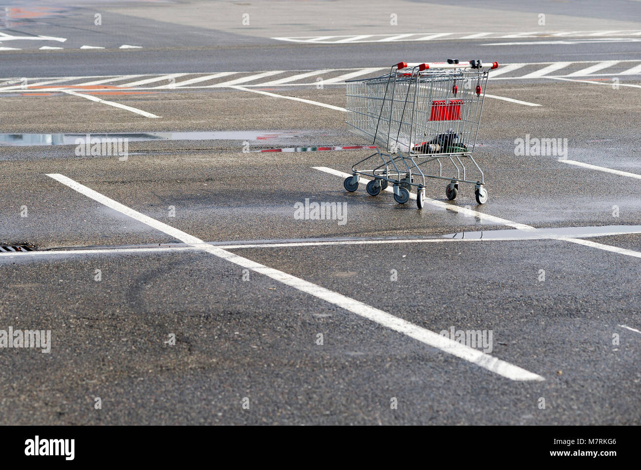Auchan Stock Photos & Auchan Stock Images - Alamy