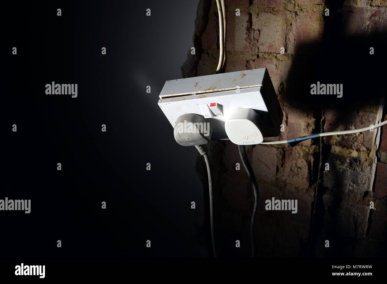 Exposed Wires Stock Photos Images Alamy Wiring Cooker Socket Uk Dangerous On A Electricity Image