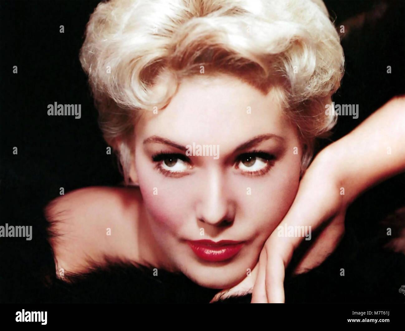 KIM NOVAK American film actress about 1955 - Stock Image
