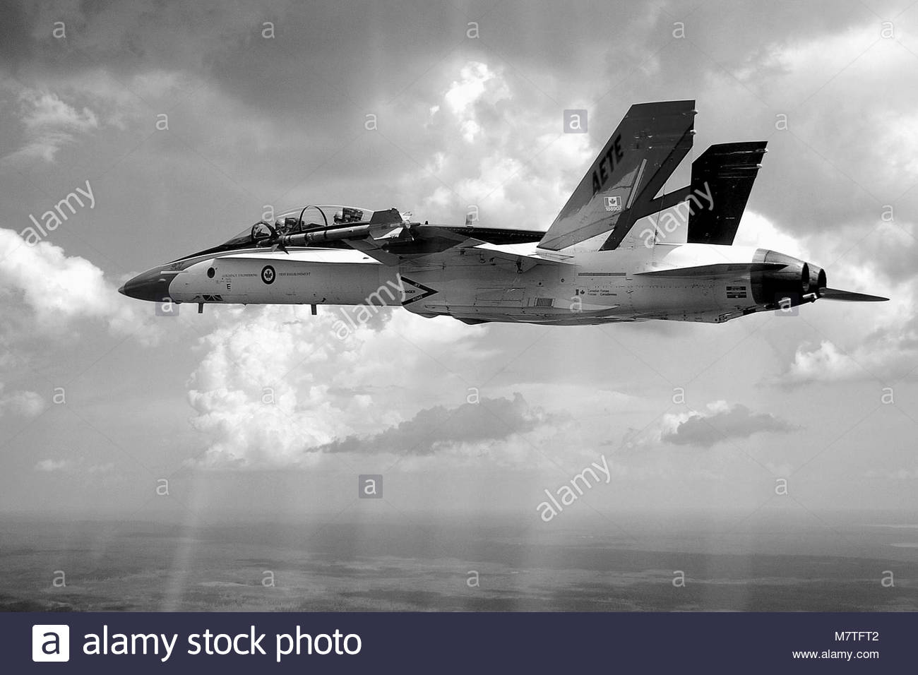 A CF-18 Hornet Colour Bird in flight, from the Aerospace. AE2004-0211-001a  17 July  / juillet 2004 CFB / BFC Cold - Stock Image
