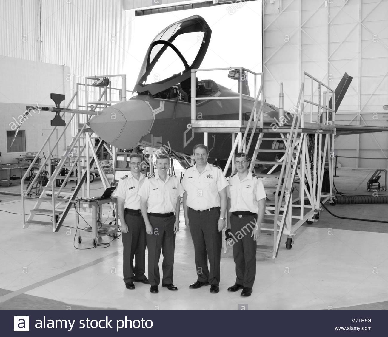 CAS Visit. 26-37098  6 September 2006 Lockheed Martin Plant, Fort Worth, Texas  Lt-General Steve Lucas, Chief Air - Stock Image