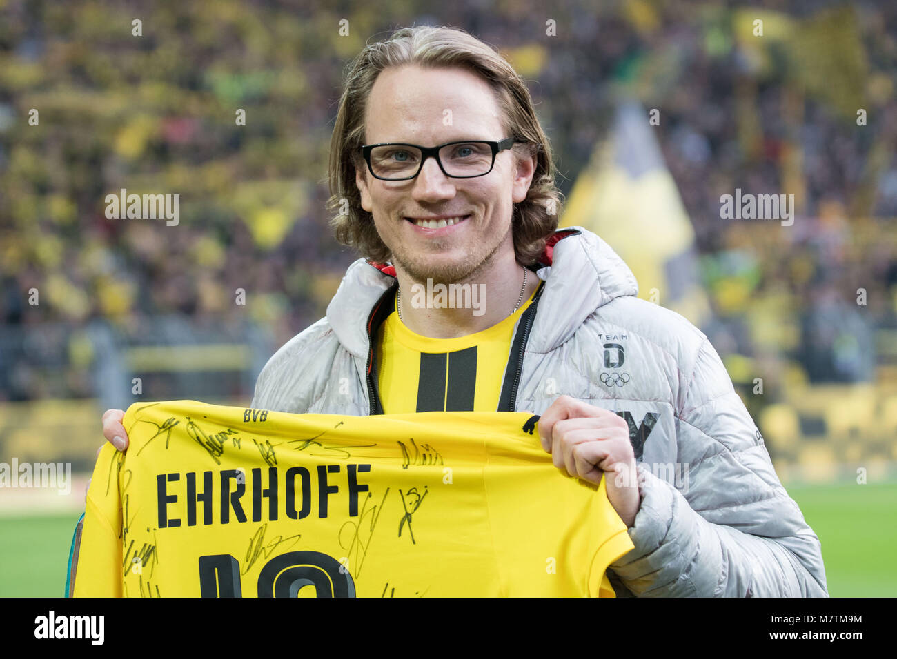 Christian EHRHOFF, Eishockeyspieler, GER, with BVB Trikot ist zu Gast im Dortmunder Stadion,  Fussball 1. Bundesliga, - Stock Image