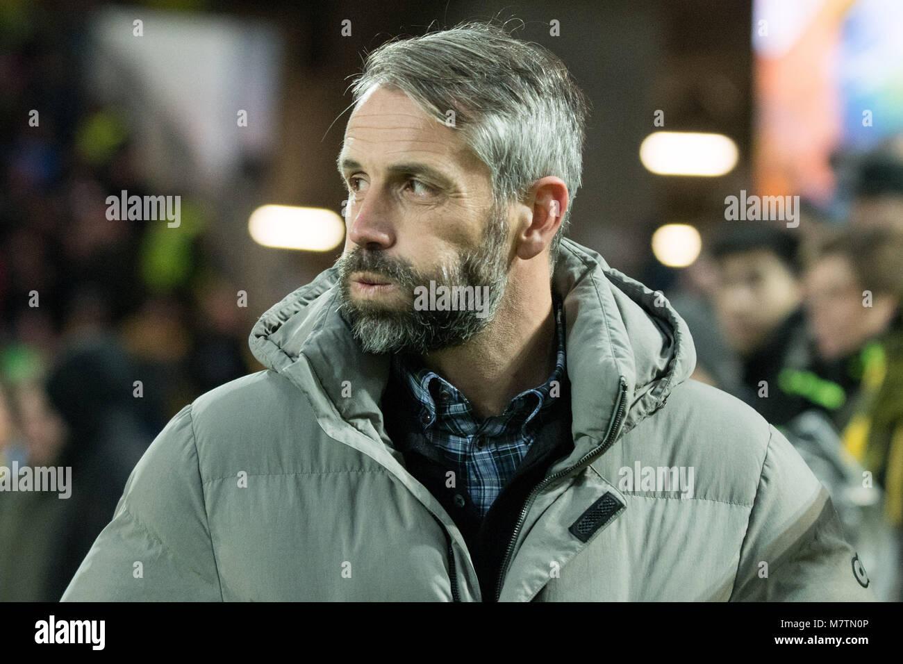 Marco ROSE (coach Salzburg) macht dicke Backen, Mimik, Brustbild,  Fussball Europa League, Achtelfinale, Borussia Stock Photo