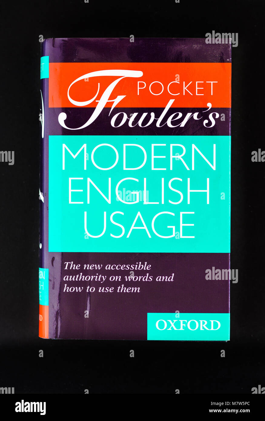 Cover of the fiction book from Oxfod press with the title Pocket Fowler's modern english usage - Stock Image