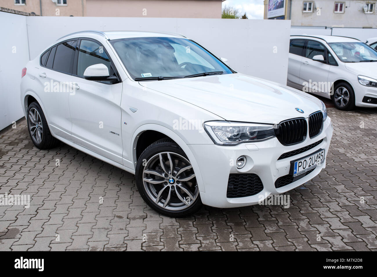 White Bmw Stock Photos White Bmw Stock Images Alamy