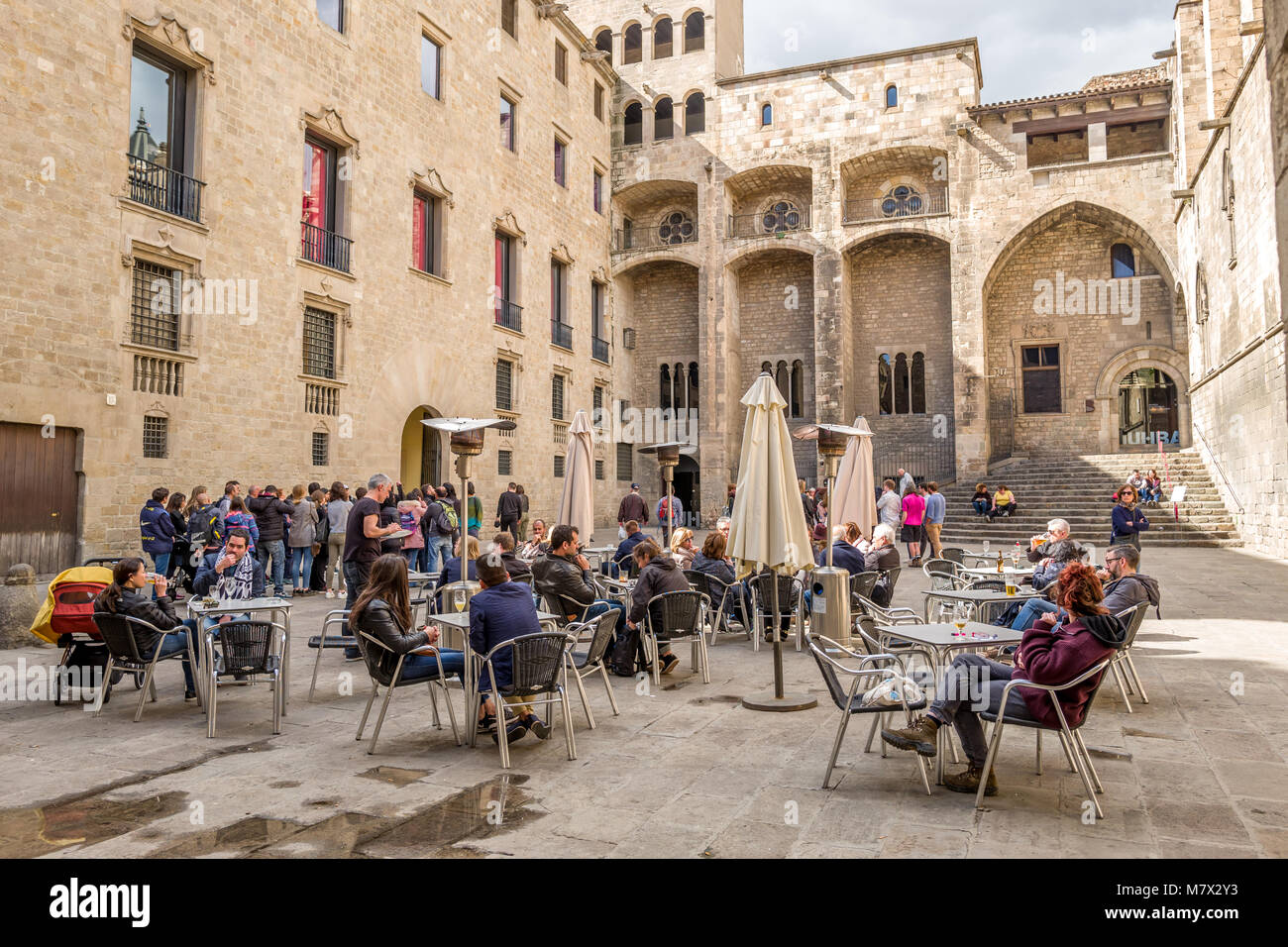 A street cafe in Plaça del Rei in Barcelona - Stock Image