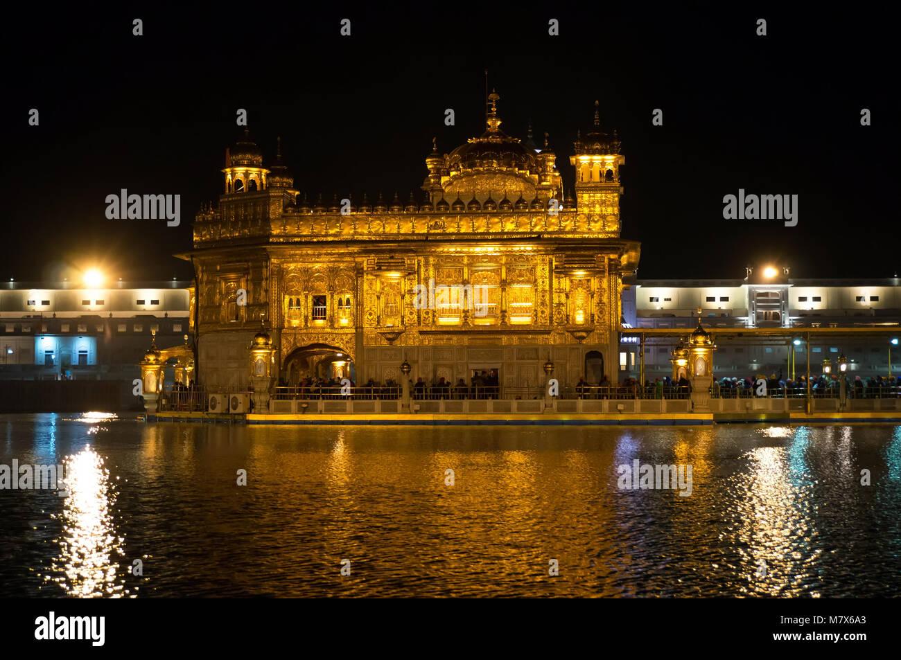 The stunning Sikh Golden Temple in Amritsar Stock Photo