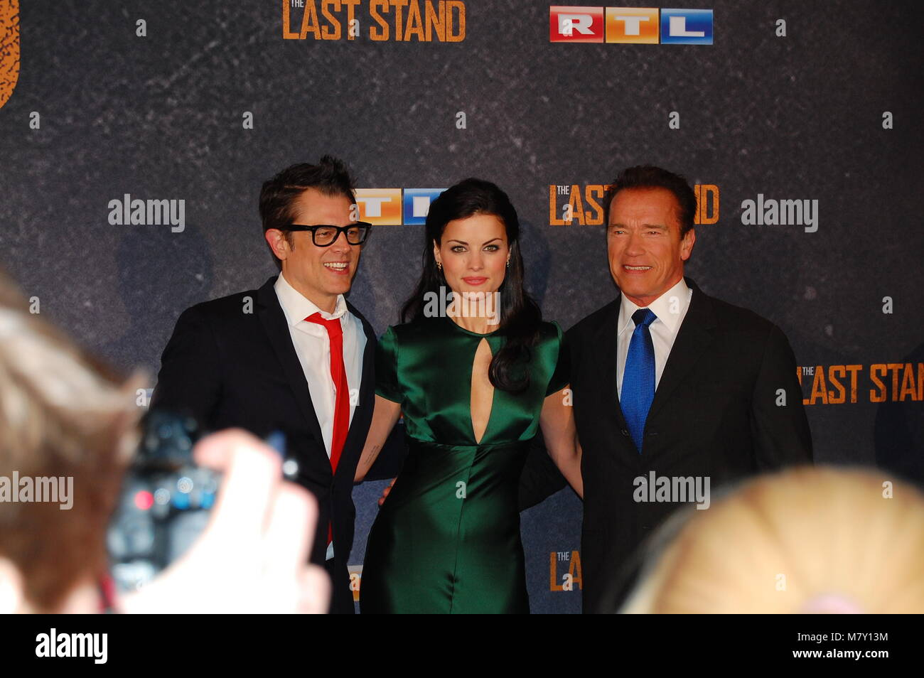 Johnny Knoxville, Jamie Alexander, Arnold Schwarzenegger 'The Last Stand' Cologne Premiere at Astor Film Lounge Stock Photo