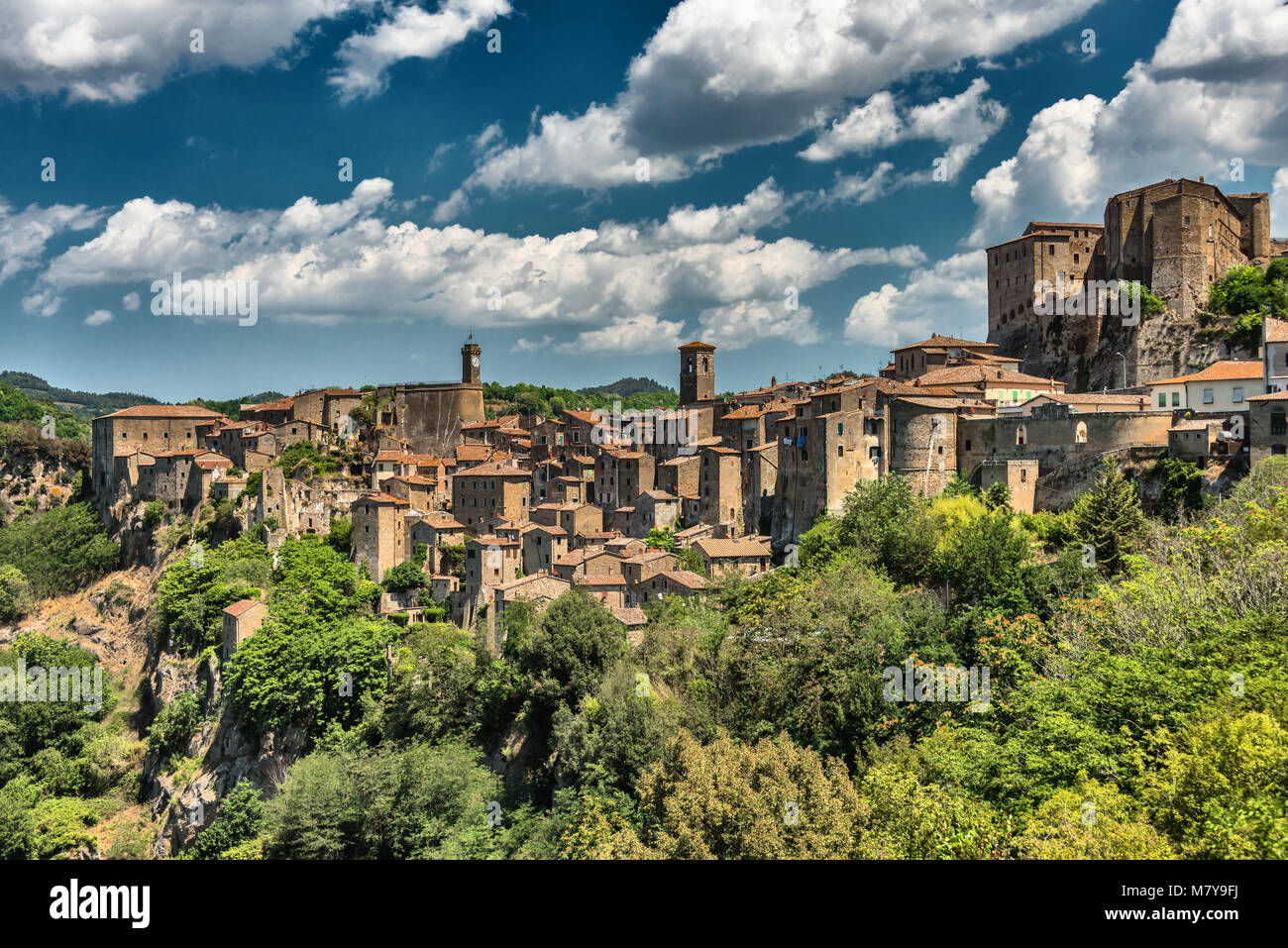 Panoramic view of Sorano, in the Province of Grosseto, Tuscany (Toscana), Italy - Stock Image