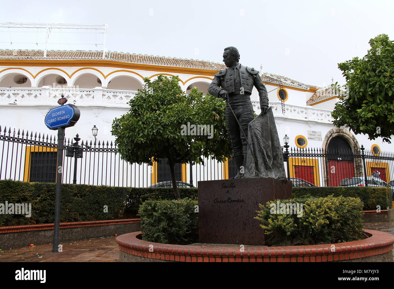 Bronze statue of Curro Romero at Seville Bullring - Stock Image