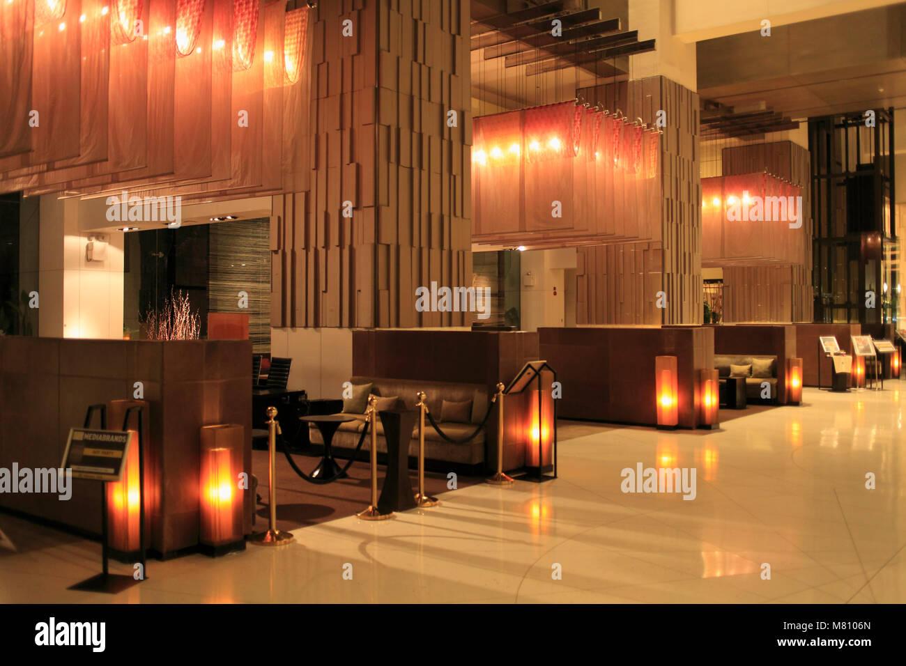 Hilton Hotel Lobby Stock Photos & Hilton Hotel Lobby Stock Images ...